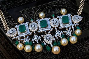 diamond and emerald choker with pearl drops