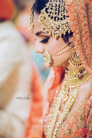 Heavy bridal jewellery with jhoomer