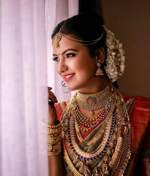 South Indian bride with gold jewellery