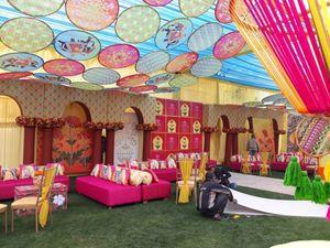 Unique tent decor ideas with suspended props