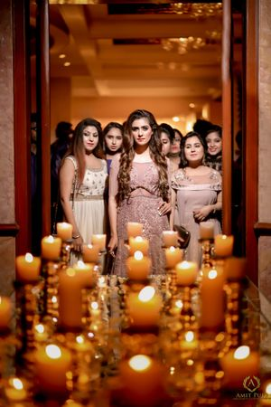 Beautiful bridesmaids photo with bride