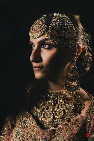 A bride in antique jewellery