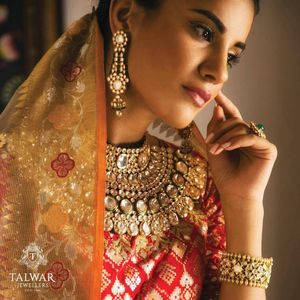 Statement bridal necklace with polki work
