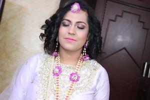 Pics Of Mehndi Makeup : Mehndi makeup simran khanna makeovers pictures bridal