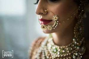 Oversize bridal nosing with kundan