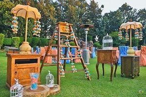 Quirky decor idea for mehendi with ladder