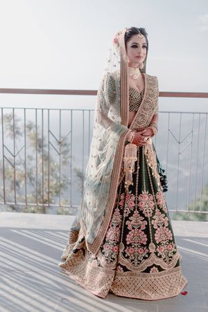 Offbeat bridal lehenga and look in teal lehenga