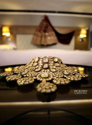 Heavy bridal polki jewelery