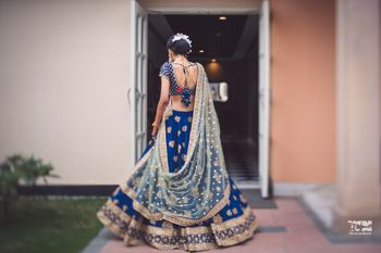 Photo of Dupatta draping style in the back
