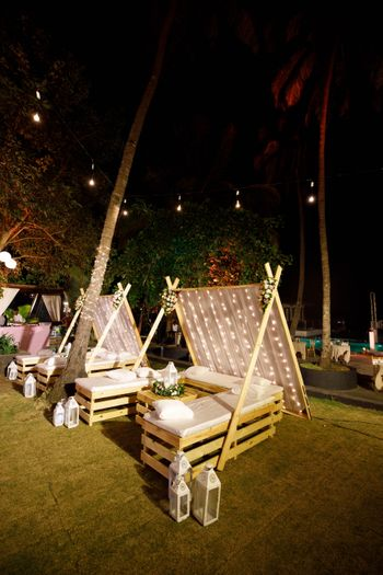 glam cocktail decor idea with teepee style seating