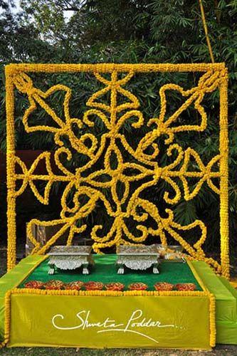 Photo of genda flower arrangement