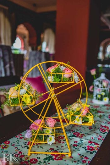 Photo of Ferris wheel floral arrangement