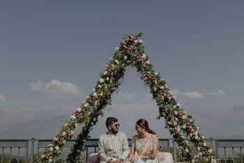 Photo of Cute couple shot on mehendi