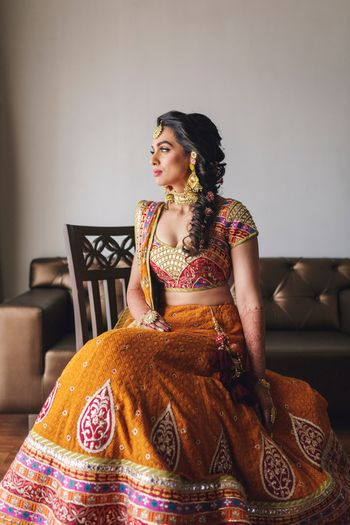 Orange Outfits Photo mehendi hairstyle