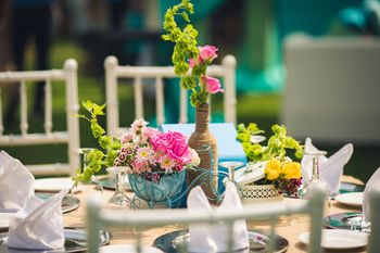 Cute floral centrepiece idea for mehendi