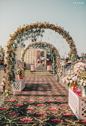 Photo of Stunning floral entrance decor idea.