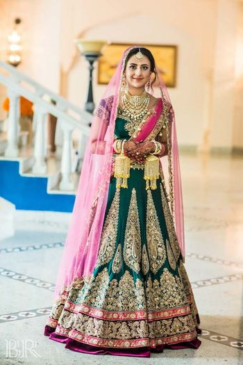 Photo of Contrasting double dupatta with Suneet Verma lehenga