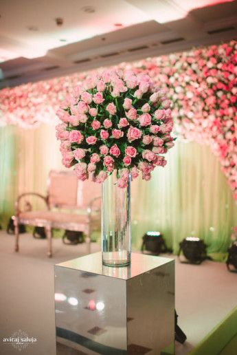 Photo of pink and green roses