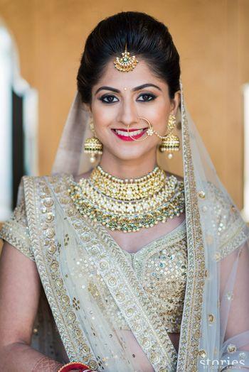 Gold Wedding Photoshoot & Poses Photo nosering