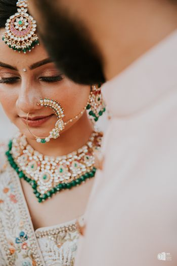 Photo of A gorgeous bridal nath