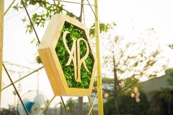 Wedding logo in decor with botanical feel