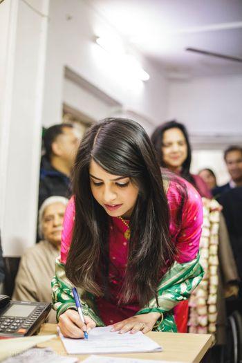 Minimal wedding idea with court wedding