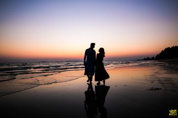silhouette pre wedding or honeymoon shot on the beach