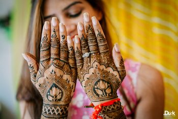 Photo of bridal mehendi design