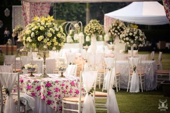 Photo of Floral print table centerpieces