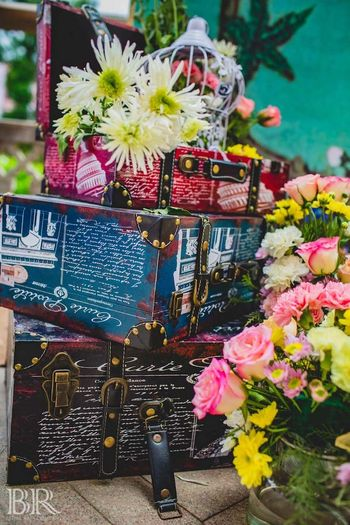 Photo of Floral arrangement idea with vintage trunks