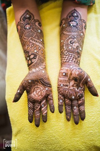 Photo of Studded hand mehendi