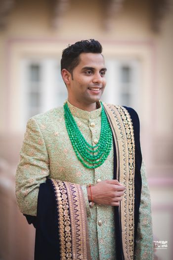 Groom necklace with green beads and velvet dupatta