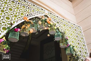 Photo of Hanging birdcage entrance decor