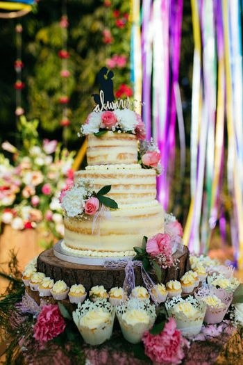 Photo of 3 layer wedding cake table decor idea
