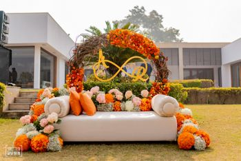 Sofa stageless decor for mehendi