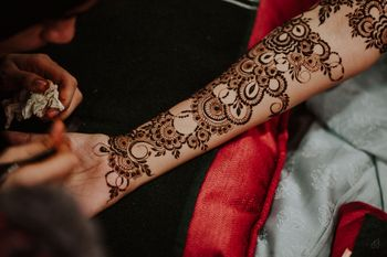 Photo of Modern Mehndi Design