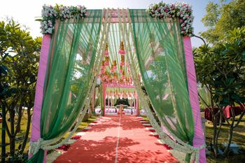 Pink and green theme decor for entrance