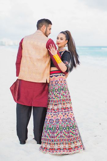 Photo of Mehendi bridal look in quirky lehenga