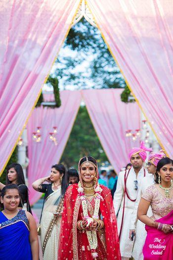 Red Wedding Photoshoot & Poses Photo