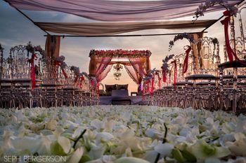 Wedding Decor Photo petal aisle