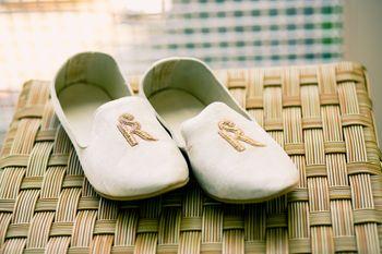 Monogramed personalised groom shoes
