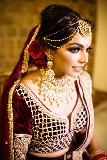 Photo of Bridal jewellery with unique mathapatti