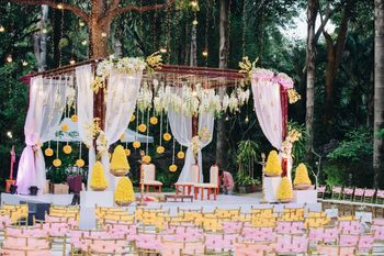 Yellow and light pink decor idea with strings