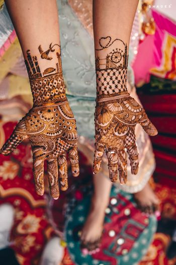 Unique and beautiful mehndi design.