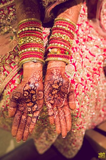 Photo of Simple bridal mehendi design on hands