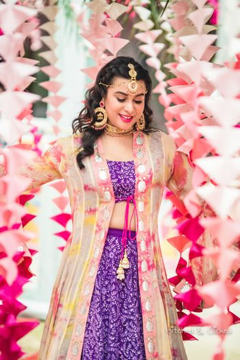 Mehendi day bridal portrait with cute decor
