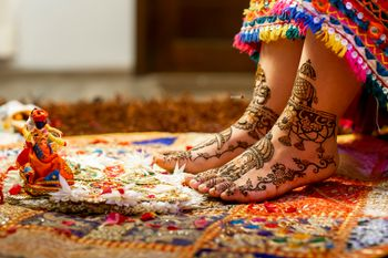 Unique feet mehendi design.