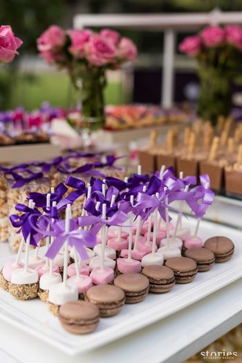 Photo of Dessert ideas with cakesickles and macarons on sticks