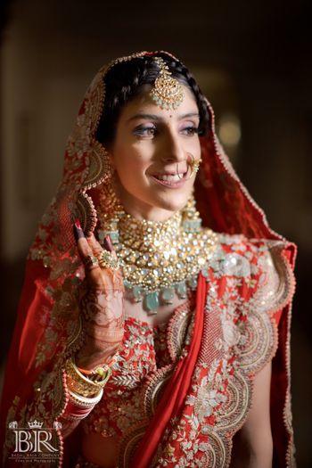 Closeup shot of the bride