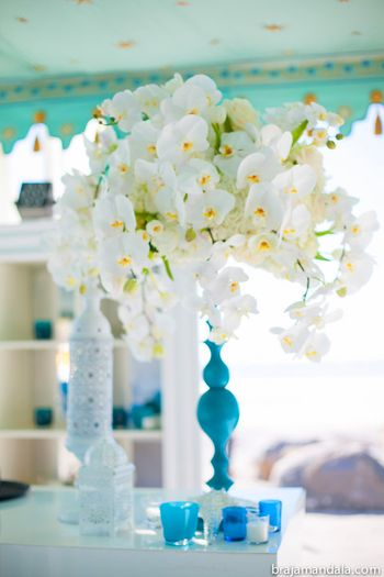 Photo of Blue and white decor flora centerpiece